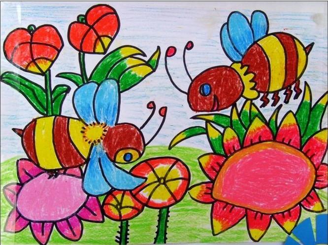 采蜜的小蜜蜂简笔画 采蜜的小蜜蜂图片欣赏 采蜜的小蜜蜂儿童画画作品